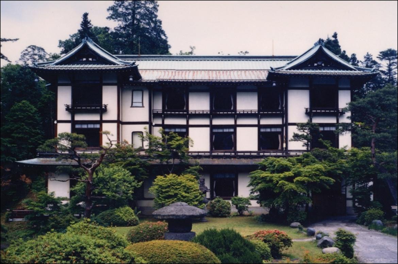 Hotel (Architekt: Gonkuro Kume) (c)