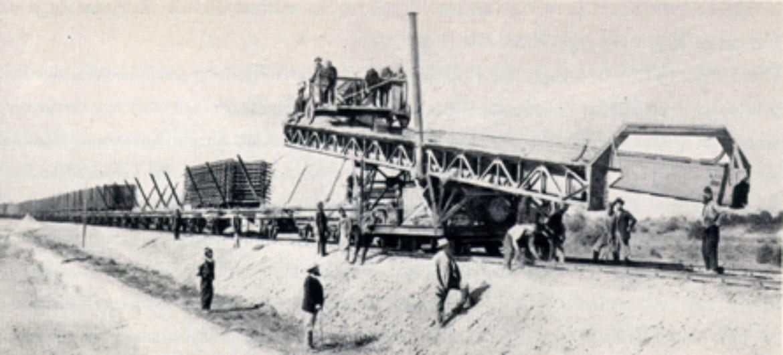 Gleislegemaschine beim Bahnbau in Eskischehir