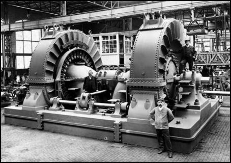 Voith-Turbinen aus dem Jahr 1903, die im Hamilton-Kraftwerk auf der kanadischen Seite der Niagarafälle eingesetzt wurden. (c)